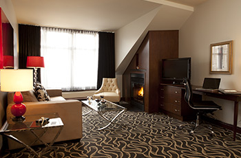 Executive suite with fireplace at Le Saint-Sulpice Hôtel Montréal