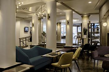 Bar dans le hall de l'Hôtel Le Saint-Sulpice