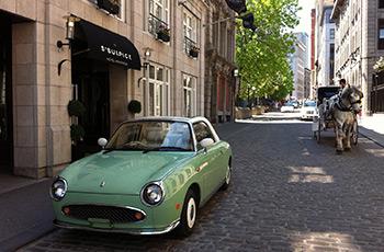 Vieilles rues pavées de Montréal devant l'Hôtel Le Saint-Sulpice