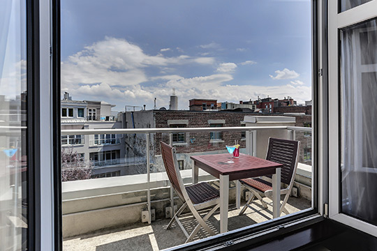 Executive Suites with Balcony in Old Montreal