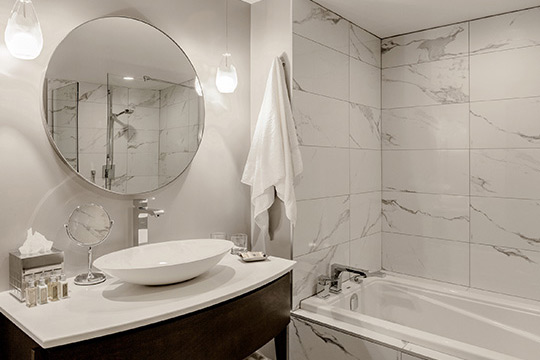 Executive Suites with Luxury Bathroom in Old Montreal