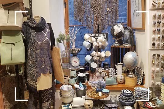 Découvrez l'artisanat local au magasin général de Montréal avec Le Saint-Sulpice Hôtel Montréal. Juste SoSulpice.