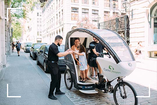 At the Saint-Sulpice Hotel we have created original tours as one of the many exclusive activities to do in Montreal, only accessible to our guests!