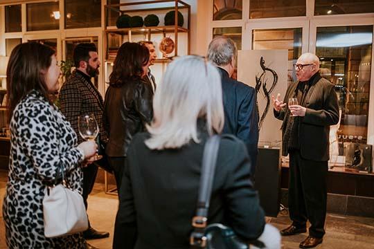 Vernissage en présence de l'artiste Jean-Claude Poitras en événement privé au Saint-Sulpice H?tel