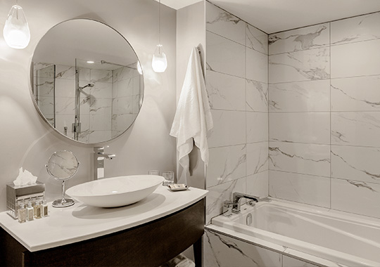 Superior Suites with Luxury Bathroom in Old Montreal