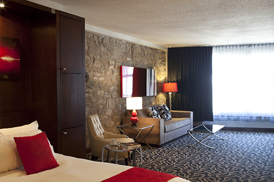 Superior Suites with stones wall in Old Montreal