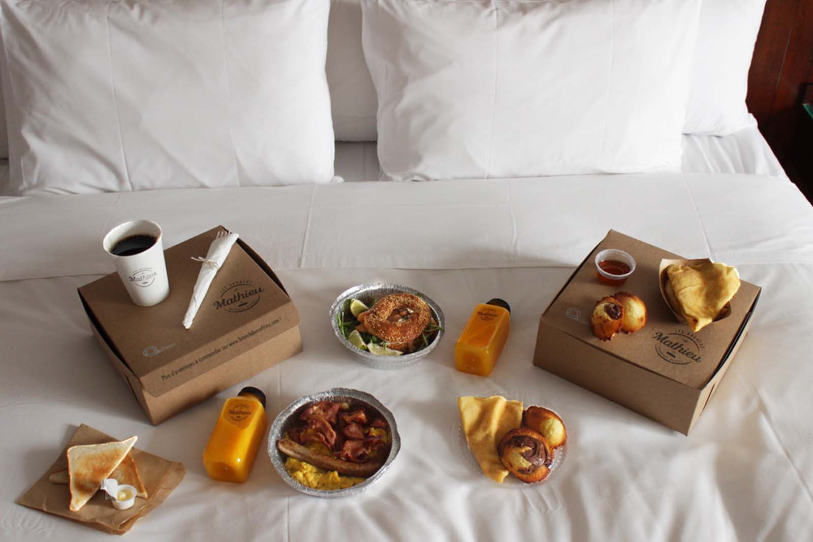In a cosy Superior suite you will enjoy a delicious brunch by les brunchs de mathieu at le saint-sulpice hotel